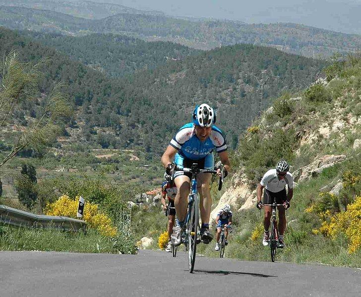 Resultado de imagen de bicicleta puerto de montaña