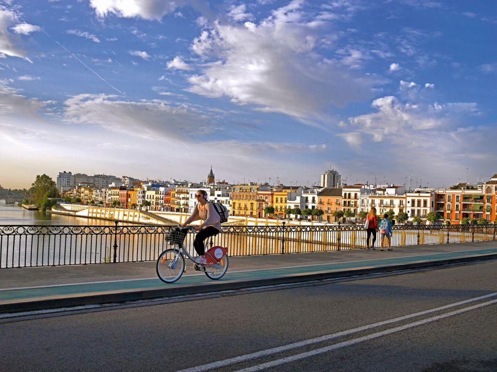 En bici por la ciudad Fuente: elpais.com