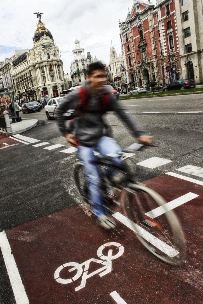 Madrid sobre ruedas Fuente:  www.mueveteenbicipormadrid.com