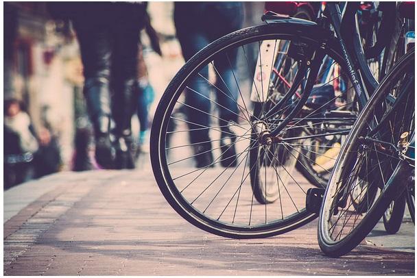 Ciclistas urbanos Fuente:  recuperandolacalle.blogspot.com