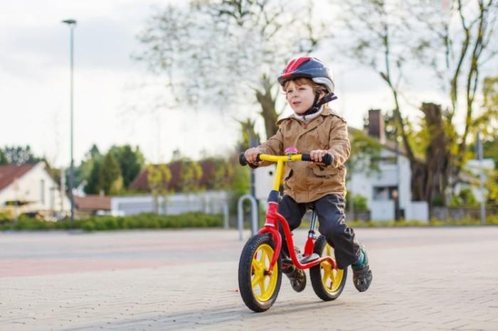 Los primeros pedaleos Fuente:  www.ciclosfera.com