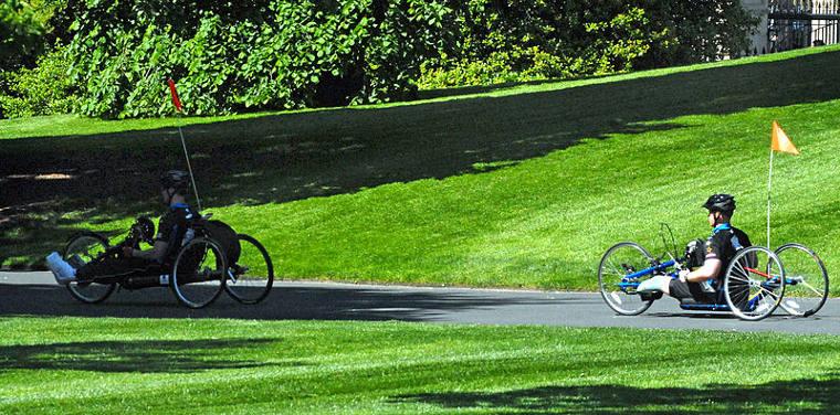 Bicicleta adaptada Fuente: http://www.ciudadano00.es/2014/01/29/bicicletas-adaptadas-movilidad/