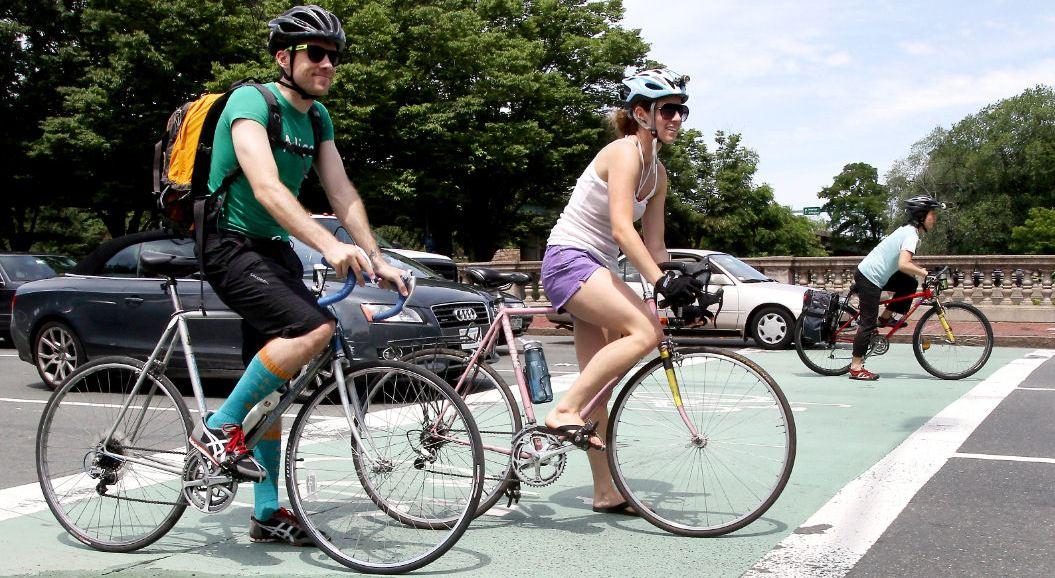Ciclistas por la ciudad Fuente: www.mascoche.net