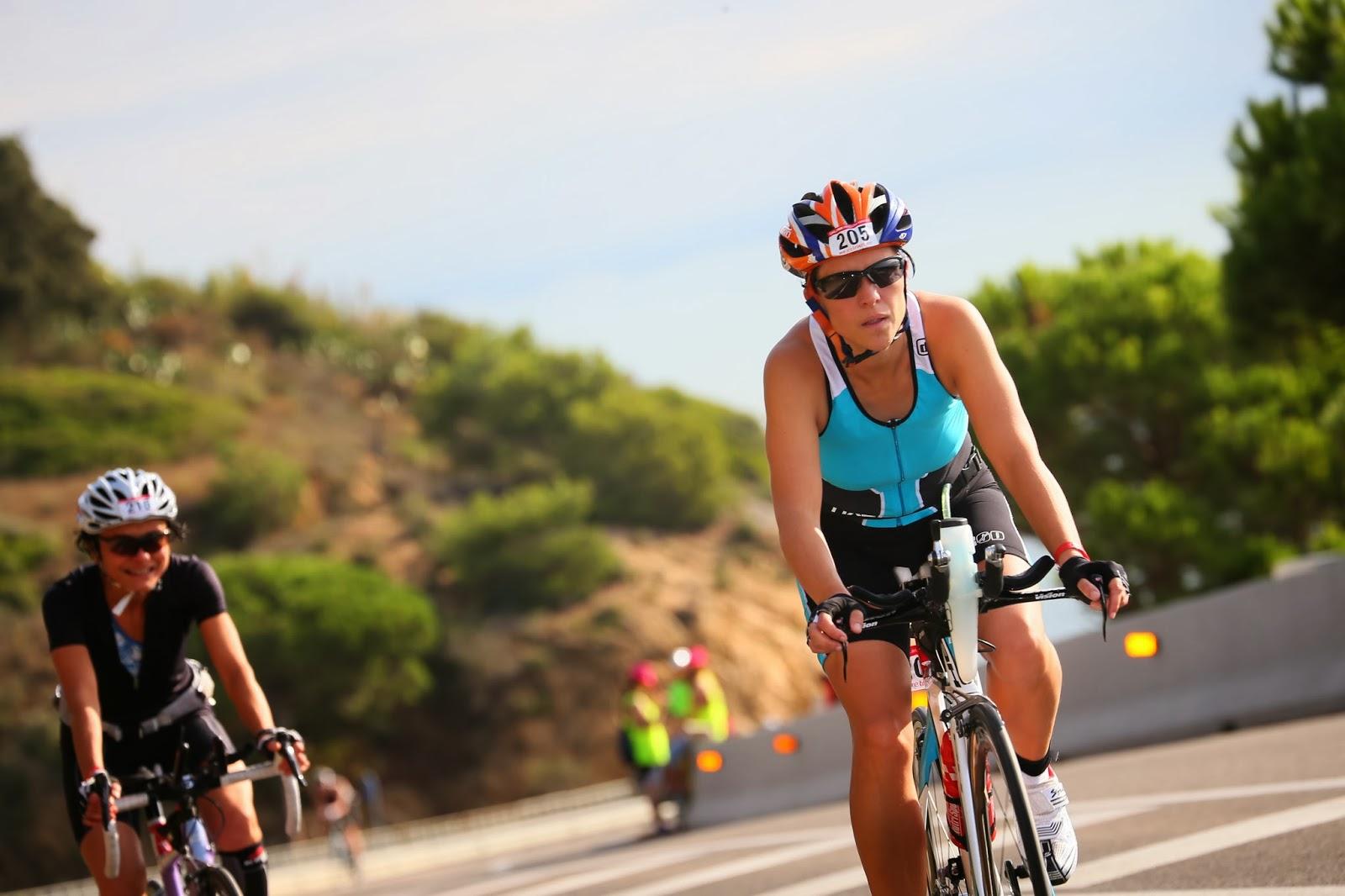 Piernas en bicicleta Fuente: www.martatriatlon.com