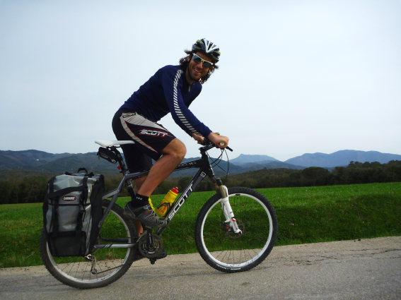 Rodar en bicicleta Fuente: blogs.menshealth.es